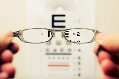 can diet and exercise affect your eyesight?